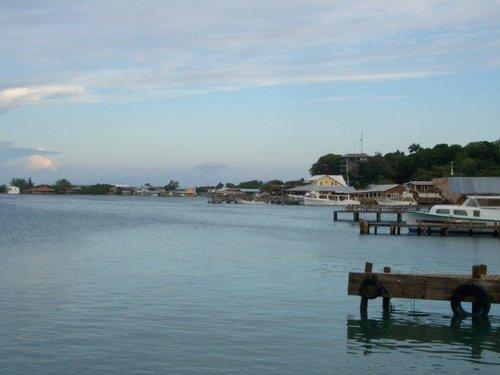 coast of Utila 1.jpg