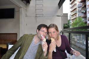 Erin and Dan eating helado on Saturday